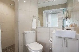 Executive & Twin Bathroom